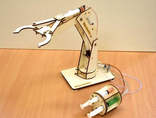 lesena-igraca-za-fante-in-dekleta-hidravlična-robotska-roka-kit-verzija-hidravlika