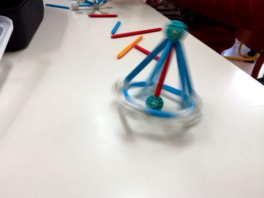 zometool-konstruktorska-igraca-za-otroke-arhitektura-in-vrtavke