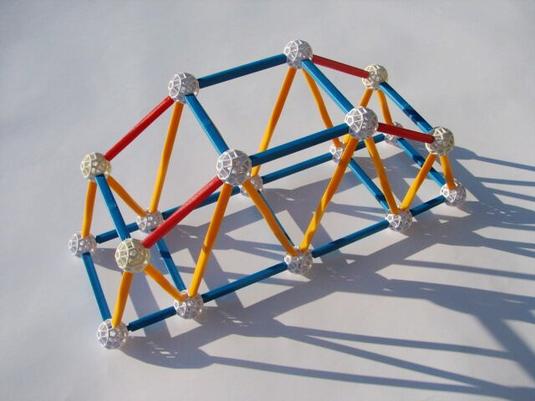 zometool-konstruktorska-igraca-za-otroke-arhitektura-za-otroke-od-7-let-prostorska-predstava-most