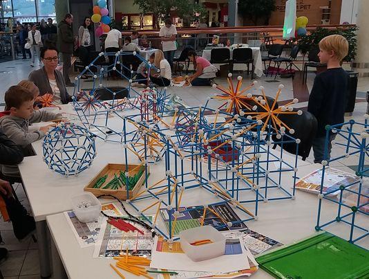 zometool-konstruktorska-igraca-za-otroke-arhitektura-za-otroke-od-6-let-prostorska-predstava-STEAM