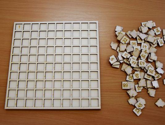 leseni-stoticni-kvadrat-sestevanje-odstevanje-vaja-stevil-1-do-100