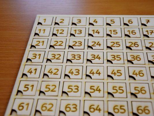 leseni-stoticni-kvadrat-sestevanje-odstevanje-vaja-stevil-igra-1-do-100-laserska-izdelava